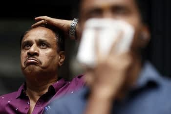 Sensex Tumbles 323 Points as Global Markets Reel on Sober Federal Reserve Outlook