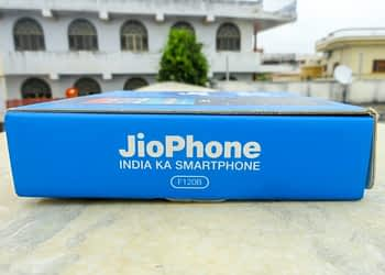 Reliance Jio To Roll Out 5G Enabled Smartphones Priced At INR 5K