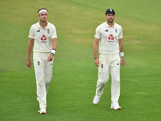 Stuart Broad, James Anderson Move Up In ICC Test Rankings For Bowlers