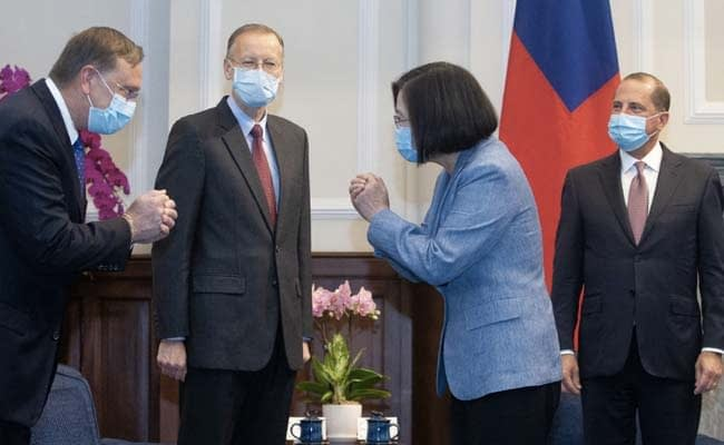 Health Secretary Meets Taiwan Leader In Highest Level Visit From US In 4 Decades